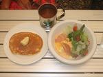 07.9.24朝食�A(700).JPG